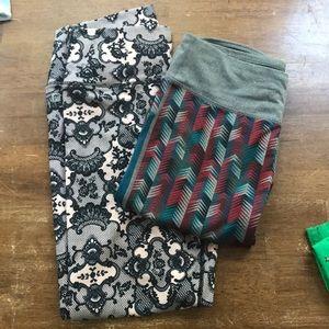 2 pairs of Fabletics leggings